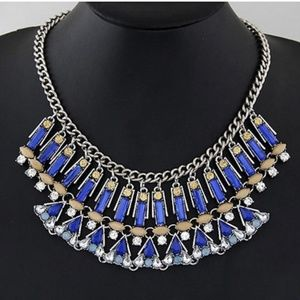 Blue gold diamond fan necklace